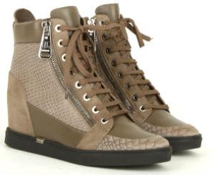 b580c963 Купить зимние женские ботинки: Италия презентует сникерсы. Ботинки сникерсы  Loriblu
